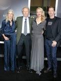Christina Sandera, Clint Eastwood, Alison Eastwood e Stacy Poitras fotografia de stock
