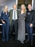 Christina Sandera, Clint Eastwood, Alison Eastwood en Stacy Poitras stock fotografie