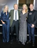 Christina Sandera, Clint Eastwood, Alison Eastwood et Stacy Poitras photo stock