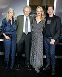 Christina Sandera, Clint Eastwood, Alison Eastwood und Stacy Poitras lizenzfreie stockfotografie