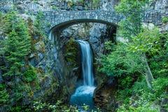 Christine Falls på den västra ingången som monterar Rainier National Park Arkivbild