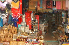 Christliche Symbole im Jerusalem-Ostmarkt Stockfotografie