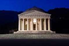 Christlicher Tempel durch Antonio Canova Römische und griechische religiöse Architektur, errichtend als Pantheon und Parthenon Ki Lizenzfreie Stockbilder
