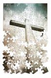 Christliches Kreuz auf blauem Hintergrund in Form des Puzzlespiels lizenzfreie stockfotografie