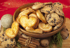 Christmas arrangement of fresh homemade cookies and cinnamon Royalty Free Stock Photography