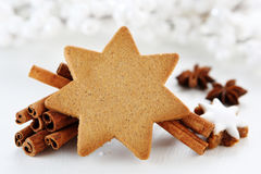 Christmas arrangments. Christmas cookies with cinnamon sticks Royalty Free Stock Photos