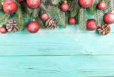 Free Christmas Banner With Green Tree, Red And White Handmade Felt Decorations On White Wooden Textured Background Stock Photography - 102863472