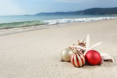 Christmas at the beach Royalty Free Stock Photos