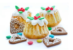 Christmas cakes with traditional decoration, candy and cookies i Royalty Free Stock Images