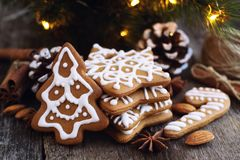 Christmas cookies on a wooden table. With christmas decoration Royalty Free Stock Photos