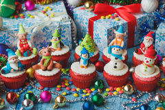 Christmas cupcakes with Christmas decorations Royalty Free Stock Photography