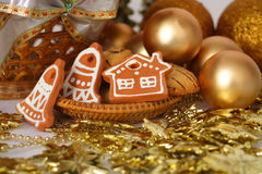 Free Christmas Decoration With Gold Balls And Keramic Gingerbreads Stock Photos - 1567003