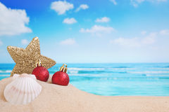 Christmas decorations on the beach Royalty Free Stock Photography