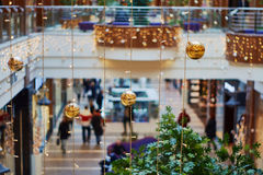 Christmas decorations in a shopping center Royalty Free Stock Photos