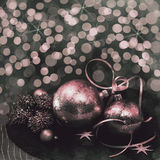 =Christmas dekoracje na abstrakcjonistycznym tle Obrazy Royalty Free
