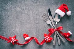 Free Christmas Dinner Table Place Setting Background Royalty Free Stock Photos - 131611058