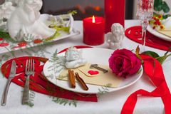 Christmas dishes, cutlery and decor Royalty Free Stock Photos