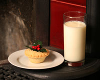 Christmas eve mince pie & milk for Santa Royalty Free Stock Photography