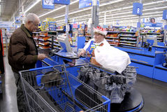 CHRISTMAS EVE SHOPPERS Stock Images