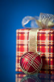 Christmas gift and ball Royalty Free Stock Photos