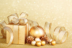 Free Christmas Gift Box With Christmas Ball Royalty Free Stock Image - 16437236