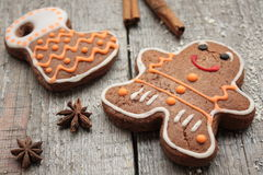 Christmas gingerbread cinnamon, Christmas decorations, tea, beads, Santas sleigh. Royalty Free Stock Photos