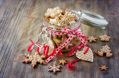 Christmas gingerbread cookies, festive rustic table decoration Royalty Free Stock Image