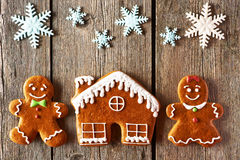 Christmas gingerbread couple and house cookies Royalty Free Stock Photos
