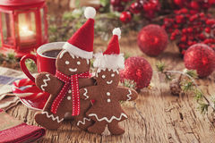 Christmas gingerbread men. And hot drink Royalty Free Stock Images