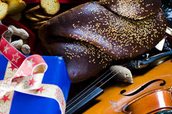 Christmas goodies and violin Royalty Free Stock Image