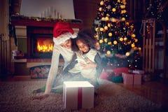 Christmas magic gift box Royalty Free Stock Photos