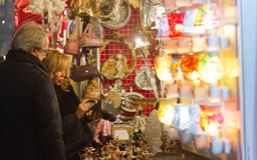 Free Christmas Market Stock Photo - 35932870