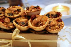 Christmas mince pies in a gift box Royalty Free Stock Photos