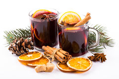 Christmas mulled wine with cinnamon and orange slices Royalty Free Stock Photos