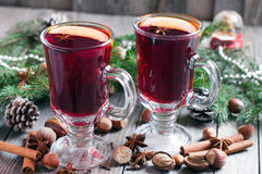 Christmas mulled wine. On a wooden background Royalty Free Stock Photography