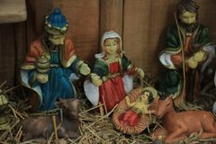 Christmas nativity scene. With baby Jesus, Mary & Joseph in barn Royalty Free Stock Images