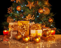Free Christmas Presents Royalty Free Stock Images - 27985989
