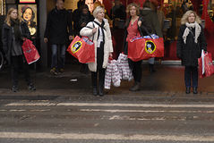 CHRISTMAS SHOPPERS Royalty Free Stock Photography