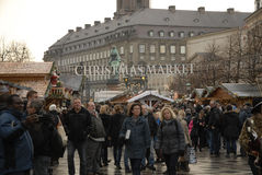 CHRISTMAS SHOPPERS Royalty Free Stock Photos