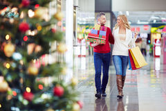 Christmas shoppers Royalty Free Stock Image