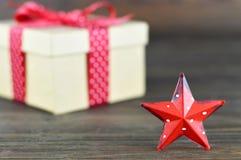 Christmas star and Christmas gift Royalty Free Stock Photos