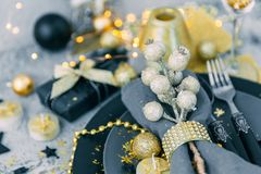 Christmas table setting with napkin. And decorations Royalty Free Stock Photos
