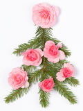 Christmas tree decorated with roses Royalty Free Stock Photography