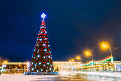 Christmas Tree And Festive Illumination On Lenin Square In Gomel Royalty Free Stock Images