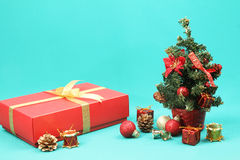 Christmas tree and present Stock Photography
