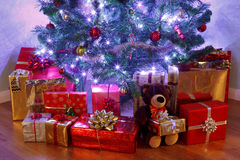 Christmas tree and presents Royalty Free Stock Images