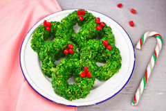 Christmas wreath cookies made with cornflakes. And candy Stock Photo