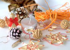 Christmass蜡烛和装饰 图库摄影