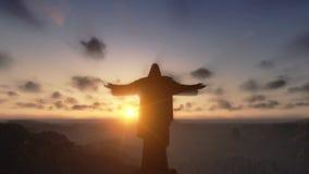 Christus das Redemeer bei Sonnenuntergang, Rio de Janeiro, Nahaufnahmeneigung, Gesamtlänge auf Lager stock video footage