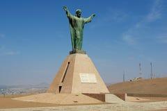 Christus des Friedensmonuments, die peruanischen und chilenischen Wappen an Hügel EL Morro in Arica tragend, Chile Lizenzfreie Stockfotos